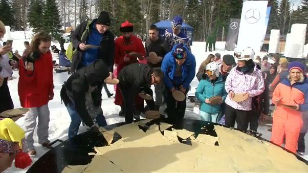 Il pancake gigante per la Maslenica russa