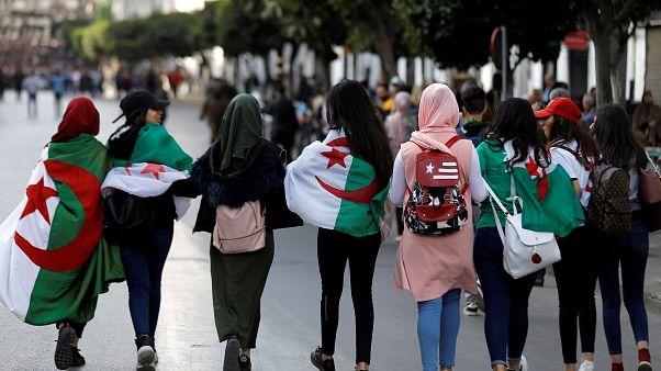 Bouteflika (82) zurück in Algerien - neue Proteste gegen 5. Amtszeit