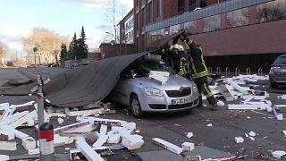 Deutschland kämpft mit den Nachwirkungen von Sturmtief Eberhard