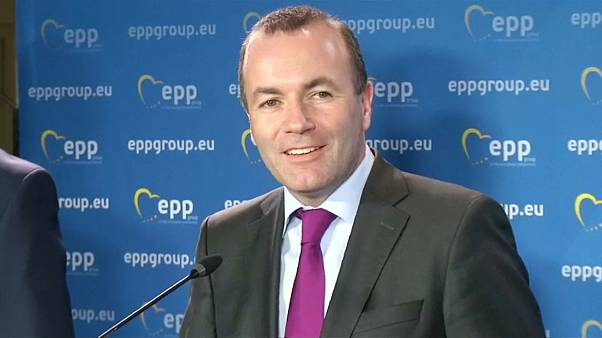 Weber dá ultima oportunidade a Orbán no PPE