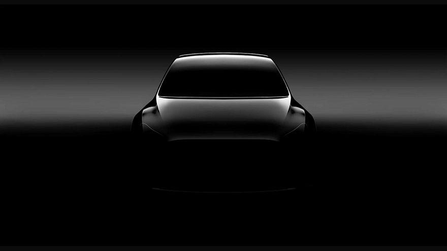 Kehrtwende bei Tesla: Doch mehr Läden bleiben, Preise steigen