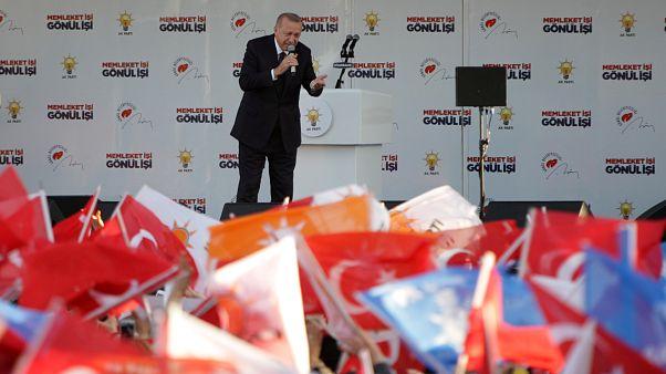 اردوغان: حامیان حقوق زنان در تظاهرات هشت مارس اسلام را زیرسوال بردند