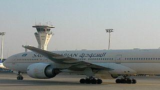 طائرة سعودية تقطع رحلة إلى ماليزيا بعد نسيان مسافرة طفلها بمطار جدة