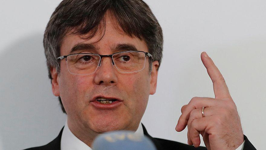 Puigdemont vezeti pártja európai parlamenti listáját