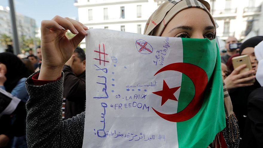 متظاهرة جزائرية ضد ترشح الرئيس بوتفليقة لولاية خامسة