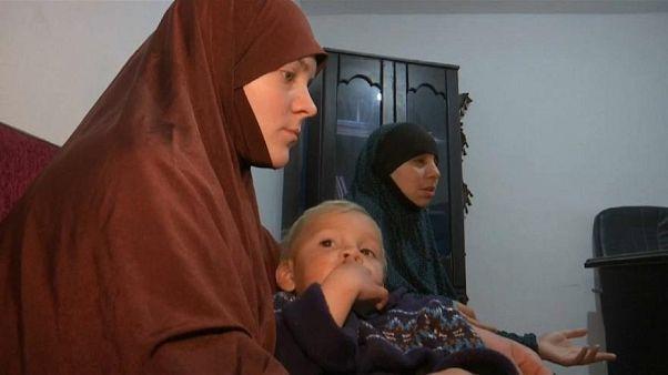 Çocukları ile Belçika'ya geri dönmek isteyen iki IŞİD gelininin umutları suya düştü