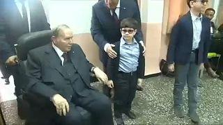 Nem indul újra az elnöki székért Bouteflika