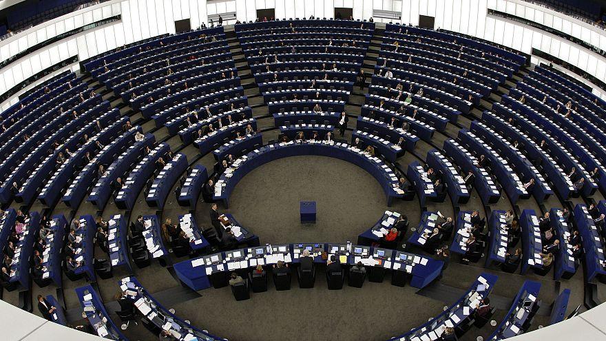 ΕΚ προς Τουρκία: Τέλος στις παραβιάσεις στο Αιγαίο - Αναστολή των ενταξιακών διαπραγματεύσεων