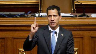 """Le Venezuela placé en """"état d'alerte"""" par l'opposition"""
