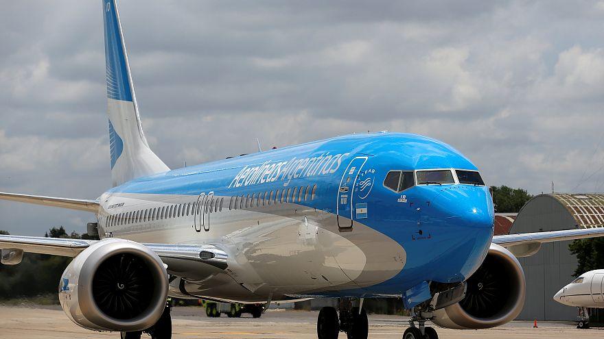 طائرة من طراز بونيغ ماكس 8 في الأرجنتين