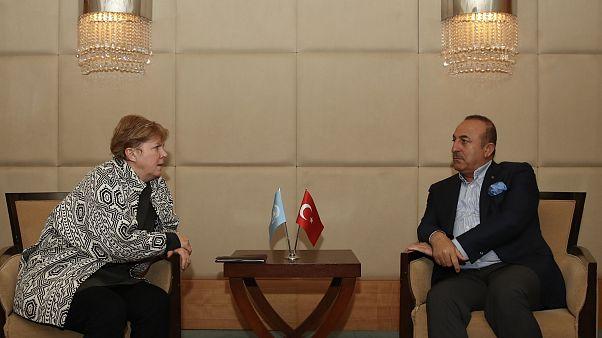 Κυπριακό: Συνάντηση Τσαβούσογλου με Λουτ – Ο Έλληνας ΥΠΕΞ θα δει Τσαβούσογλου την Τετάρτη