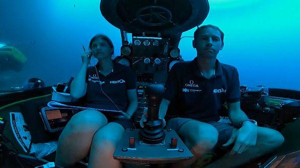 Imagens ao vivo de submarino a 60 metros de profundidade