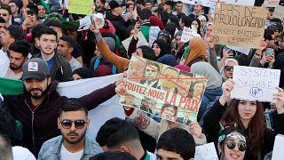 Cezayir'de Bouteflika adaylığını geri çekti fakat istifa etmedi: Peki ülkeyi ne bekliyor?