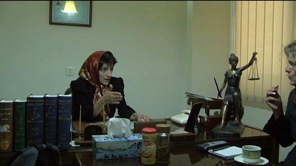 Iran, 38 anni di carcere e 148 frustate all'avvocata dei diritti umani