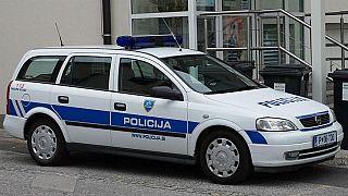 Slovenia, donna si taglia la mano con una sega circolare per incassare i soldi dell'assicurazione