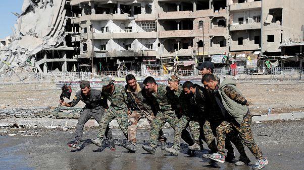 Raqqa, 18.10.2017. Militari dell'esercito siriano a Raqqa.