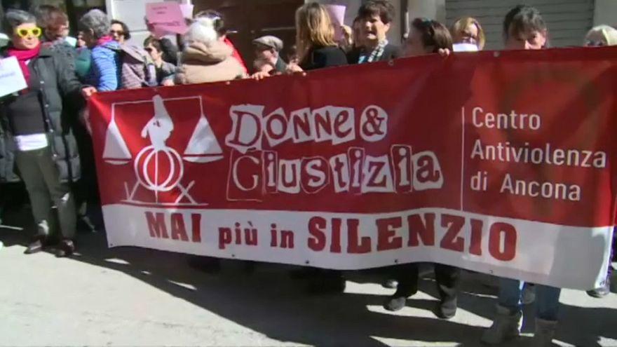 احتجاج في إيطاليا ضد قرار محكمة