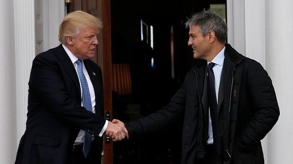 """مدير وكالة """"إنديفور"""" أري إيمانويل مع الرئيس الأمريكي دونالد ترامب"""