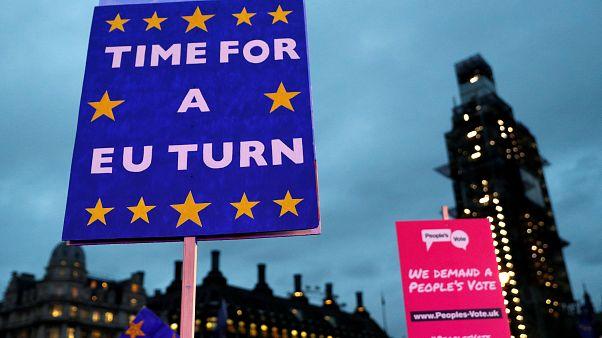 Brexit: Οι πρώτες αντιδράσεις της ΕΕ