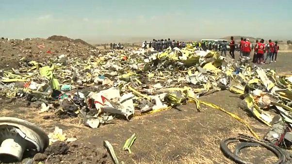 Cresce il numero dei paesi che lasciano a terra i Boeing 737 Max 8