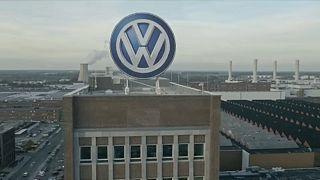 Volkwagen: 12 mil milhões de lucros e 7 mil supressões de empregos