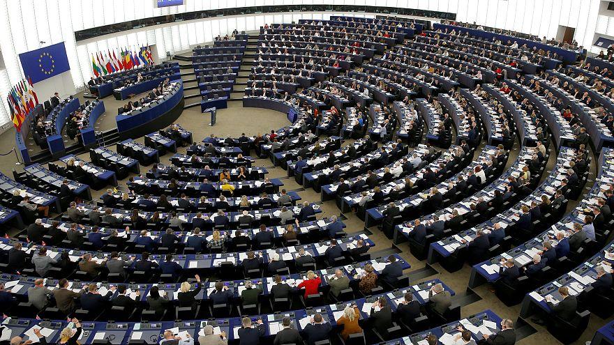 Türkiye'nin AB üyelik müzakerelerinin askıya alınmasını talep eden rapor kabul edildi