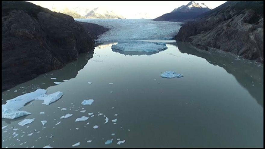Au Chili, deux morceaux du glacier Grey se séparent à quelques semaines d'intervalle