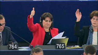 المشرِّعون الأوربيون يطالبون بمواصلة تعليق مفاوضات انضمام تركيا إلى التكتّل