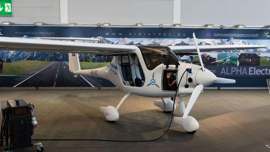 14 yaşını dolduranlar Birleşik Arap Emirlikleri'nde elektrikli uçakları kullanabilecek