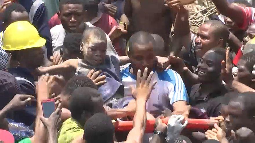 Al menos 12 muertos en el derrumbe de una escuela en Nigeria