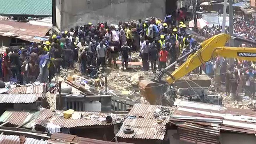 Összeomlott egy iskola Nigériában