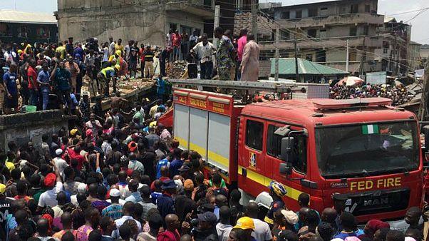 Nijerya'da ilkokul binası çöktü: En az 10 ölü, enkaz altında 50 kişi var