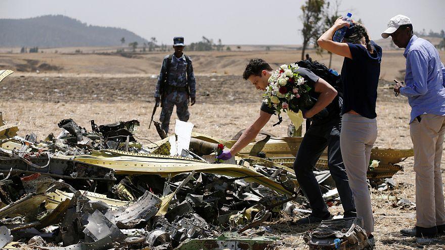 Sur le site du crash du Boeing d'Ethiopian Airlines, près d'Addis Abeba