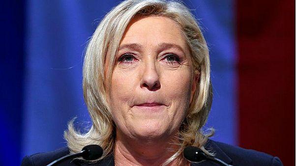 مارين لوبان تدعو لوقف منح الجزائريين تأشيرات دخول إلى فرنسا