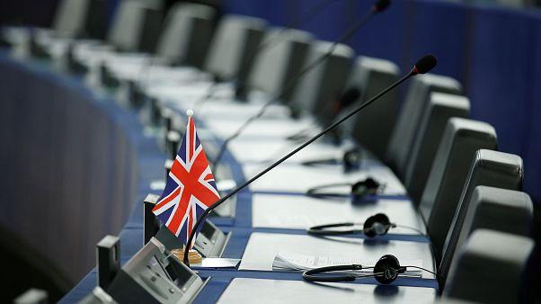 AP'den anlaşmasız Brexit için seyahat, eğitim ve balıkçılık konularında önlemler