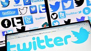 تويتر تكشف عن تغييرات كبيرة تشمل المحادثات واستخدام الكاميرات الذكية
