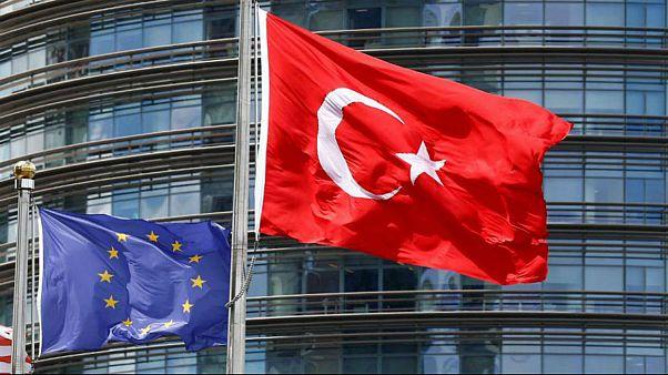 پارلمان اروپا: مذاکرات عضویت ترکیه در اتحادیه رسما تعلیق شود