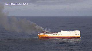 Francia: affonda mercantile italiano, è emergenza ambientale