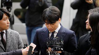 Seks skandalına karışan K-pop yıldızları müziği bıraktı