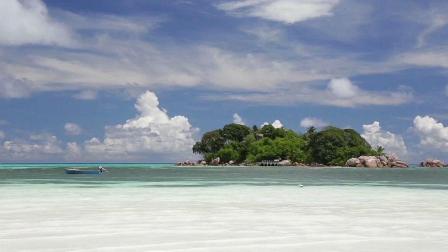 Seychellen kämpfen gegen Müll aus dem Meer
