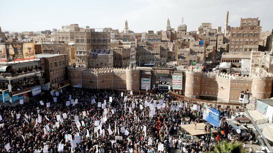 استقبال حوثیهای یمن از رای سنای آمریکا برای قطع کمکها به ائتلاف اعراب