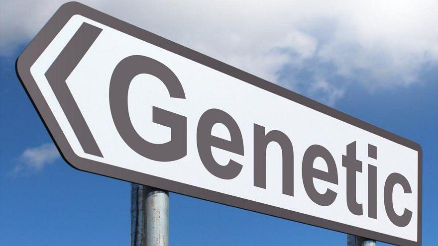 """خبراء يطالبون بوقف التعديلات الجينية """"لتصميم أطفال"""" بمواصفات معينة"""