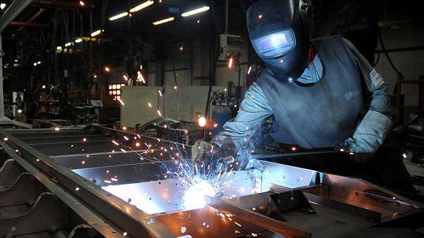 Sanayi üretim verileri küçülmenin devam edeceğinin habercisi