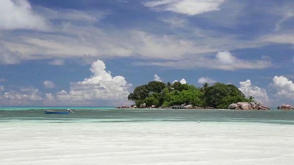 Сейшелы: бой с пластиковыми отходами