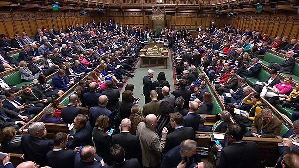 Les députés britanniques votent pour un report du Brexit au moins jusqu'au 30 juin