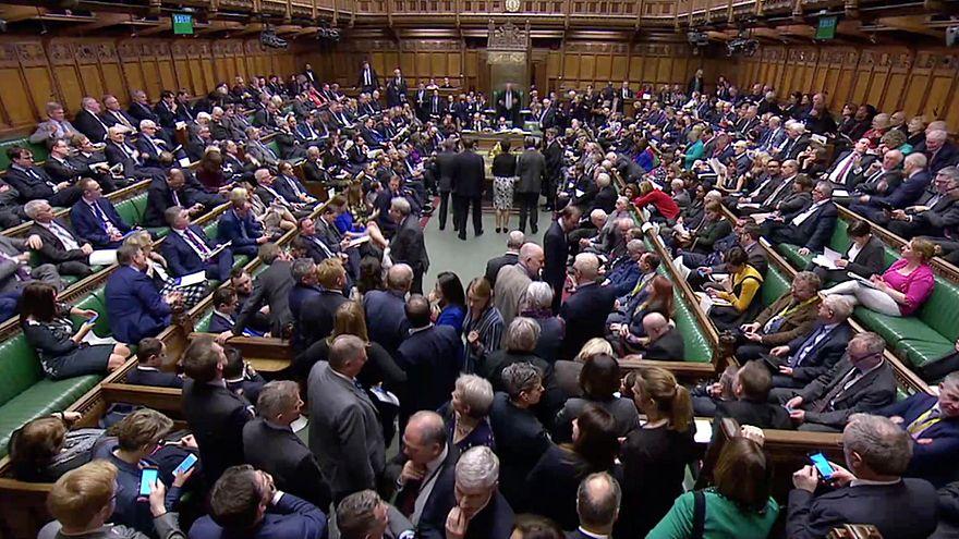 """Что делать с """"брекситом""""? Британский парламент ломает голову"""