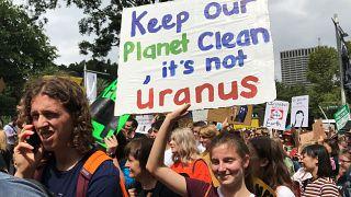 FridaysForFuture: studenti in piazza contro il cambiamento climatico