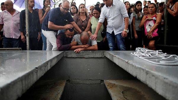 Brasil chora as vítimas do massacre de Suzano