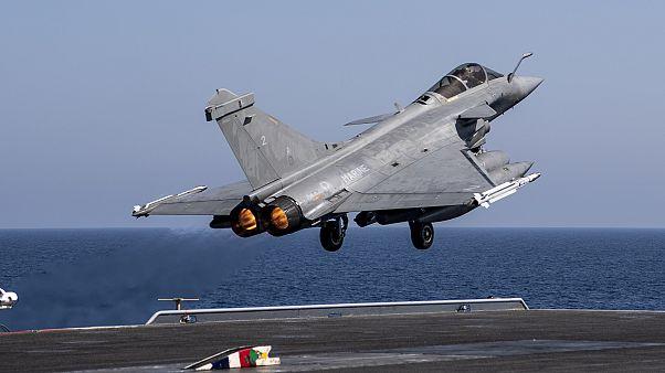 Αεροναυτικές ασκήσεις Γαλλίας νότια της Κύπρου – Μπλόκο στις παράνομες navtex της Τουρκίας