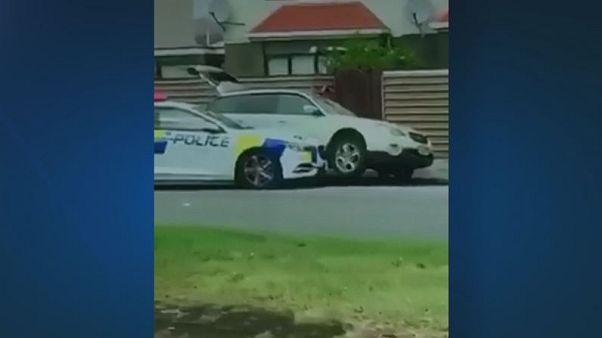 [VIDEO] Strage di Christchurch, il momento della cattura di un sospetto